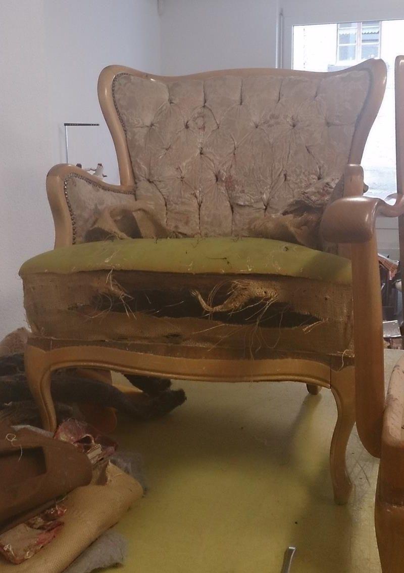 Alter Sessel vor der Restaurierung